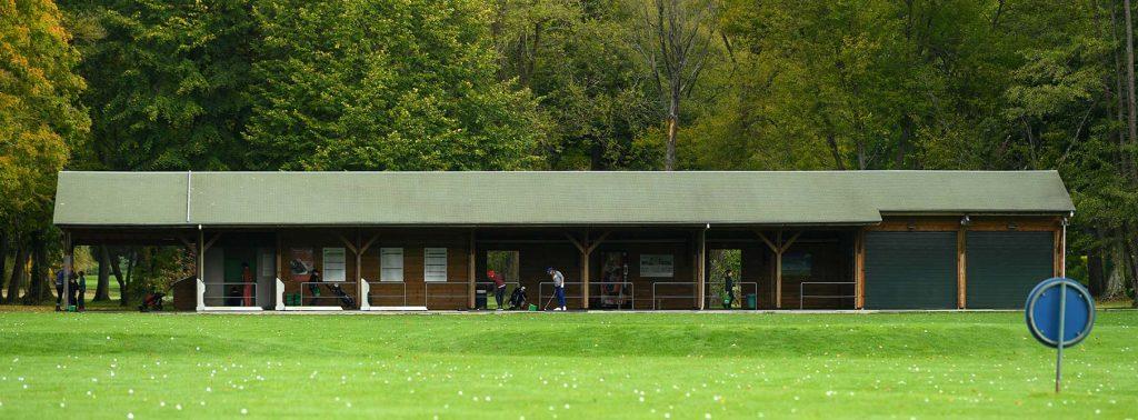 le practice 40 postes du golf du Vaudreuil