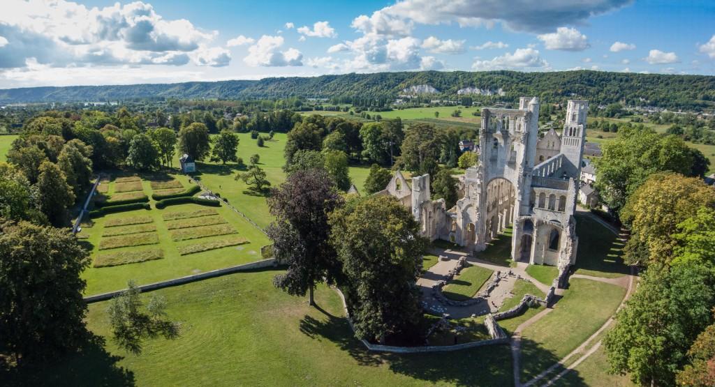 Seine à vélo : l'Abbaye de Jumièges, plus belle ruine de France